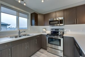 The Evoke Duplex, Fort Sask, Saskatchewan, Southfort Ridge, Kitchen 3